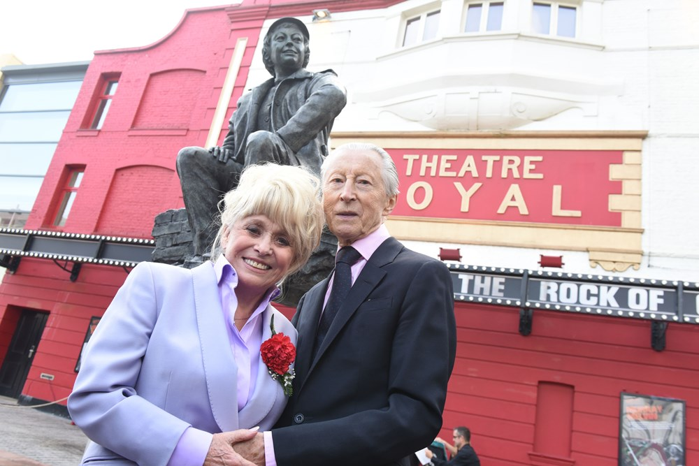L-R, Barbara Windsor and Murray Melvin (photo credit Robert Day)