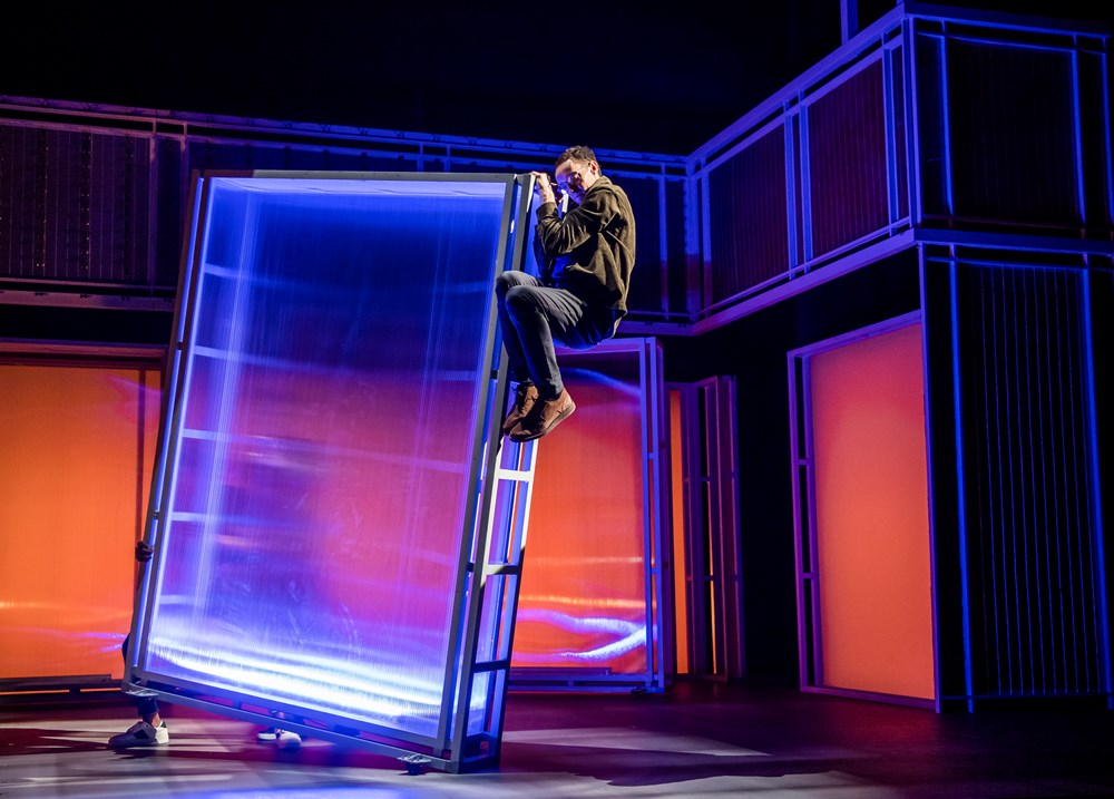 I Think We Are Alone-Frantic Assembly-Plymouth-2176
